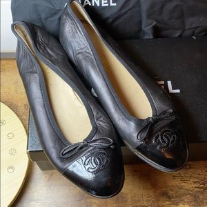 Chanel Ballet Flats-black with patent toes